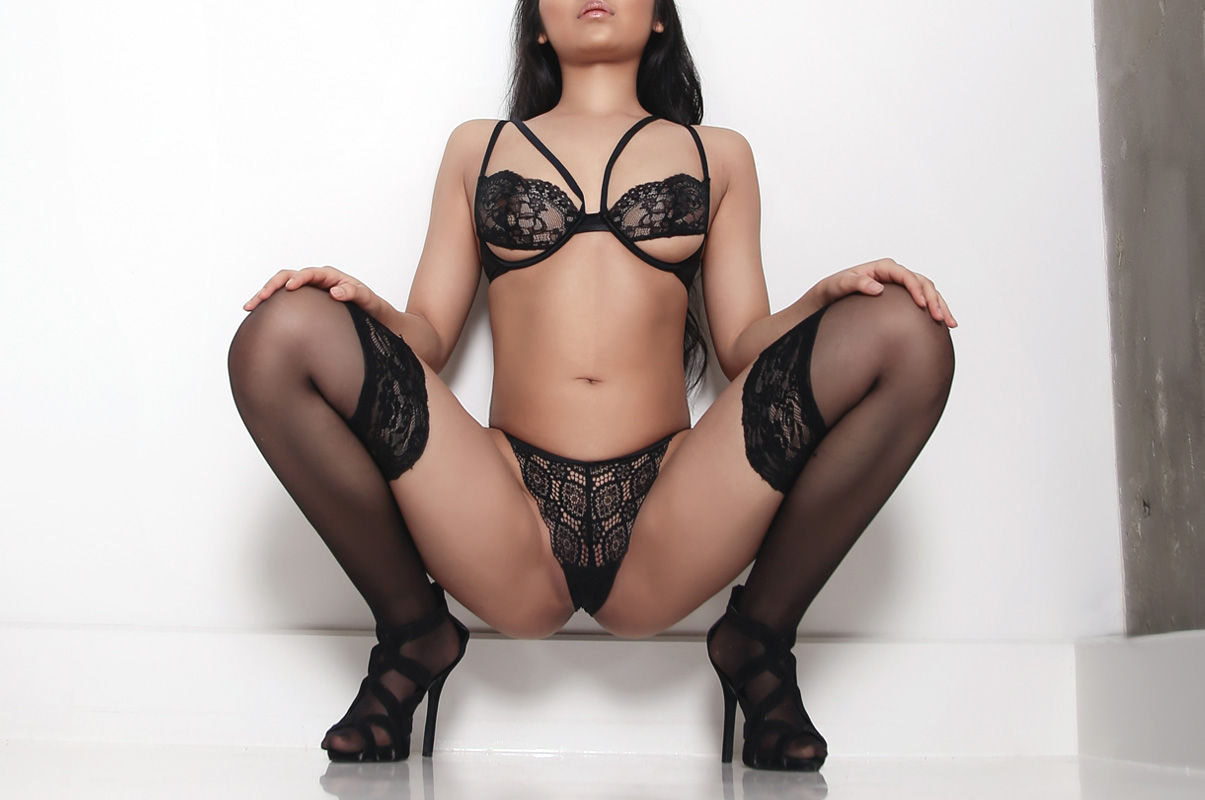 https://massageadagio.com/wp-content/uploads/2017/06/Angie-2.jpg
