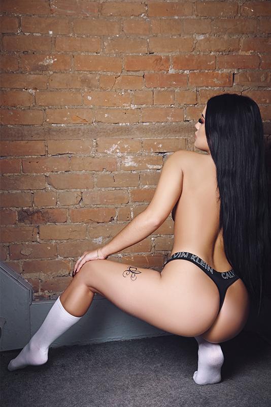 https://massageadagio.com/wp-content/uploads/2019/09/Vanessa_3_800px.jpg