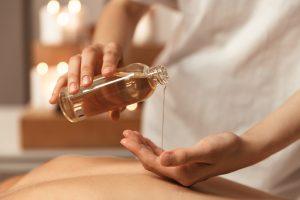 comment-preparer-huile-massage-aphrodisiaque-maison