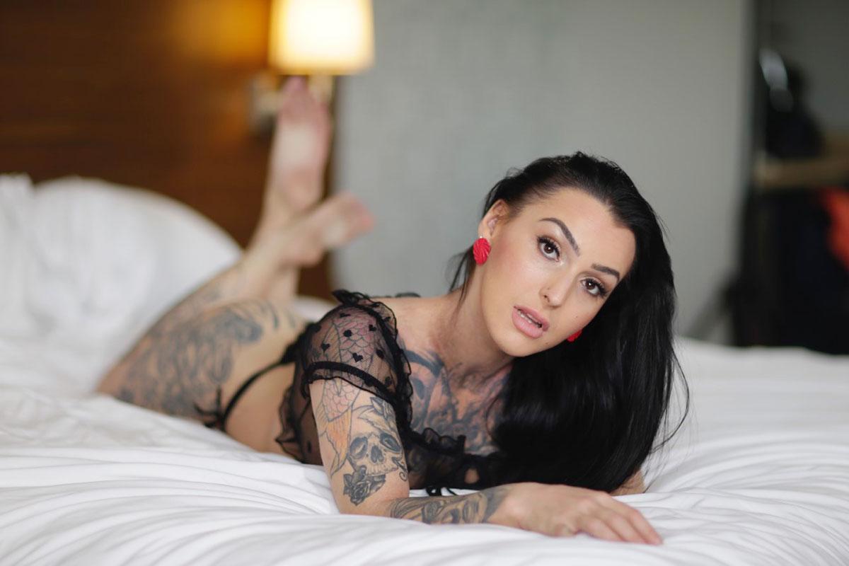 https://massageadagio.com/wp-content/uploads/2020/06/roselyne-3.jpg
