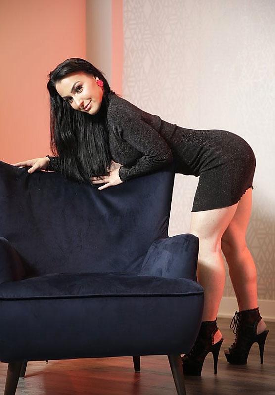 https://massageadagio.com/wp-content/uploads/2020/06/roselyne.jpg
